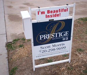 Real Estate business beat basic signs