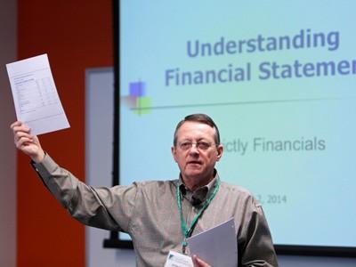 Jimmy Gentry teaching Financial Statements Reynolds Center