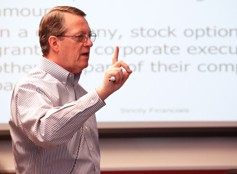 Jimmy Gentry presents during the 2012 Strictly Financials Seminar.