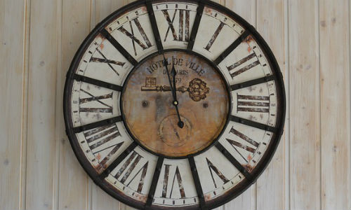 The deadline for applications to Reynolds Week is fast approaching. (Clock by mb1028 via Pixabay)