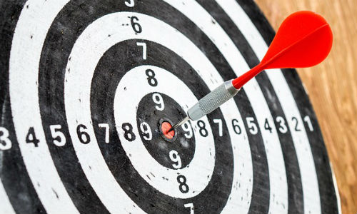 "Absolute accuracy is the hallmark of a good journalist. The author suggests that fact-checking needs to be a part of the workflow. (Image ""dart board"" by Tero Vesalainen via pixabay, CCO Public Domain)"