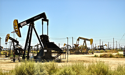 OPEC is considering extending its oil cut pact past its June expiration date. Picture from Flickr.