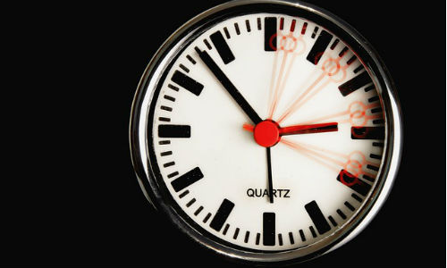"""Ticking timelines mean reporters need to be nimbler than ever. (Image from """"Foto-Rabe"""" via Pixabay, CCO Public Domain)"""
