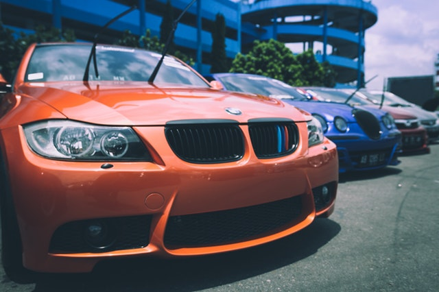 "There are red flags the auto-loan market is on the brink of a crisis, reported Bloomberg on Wednesday. The news outlet reported there's a section of the auto-loan market --- dubbed ""deep subprime"" within the industry that has ticked up to levels last seen in 2007, according to data from the credit reporting service Equifax. ""Car"" photo via Pexels."