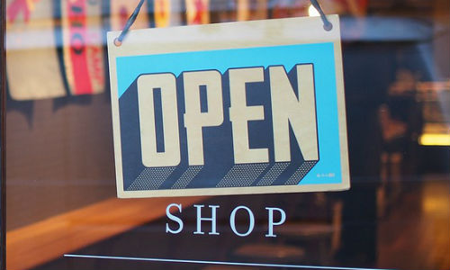 Small Business Saturday is packed with local stories for business reporters. (Image by StockSnap via Pixabay, CCO Creative Commons)